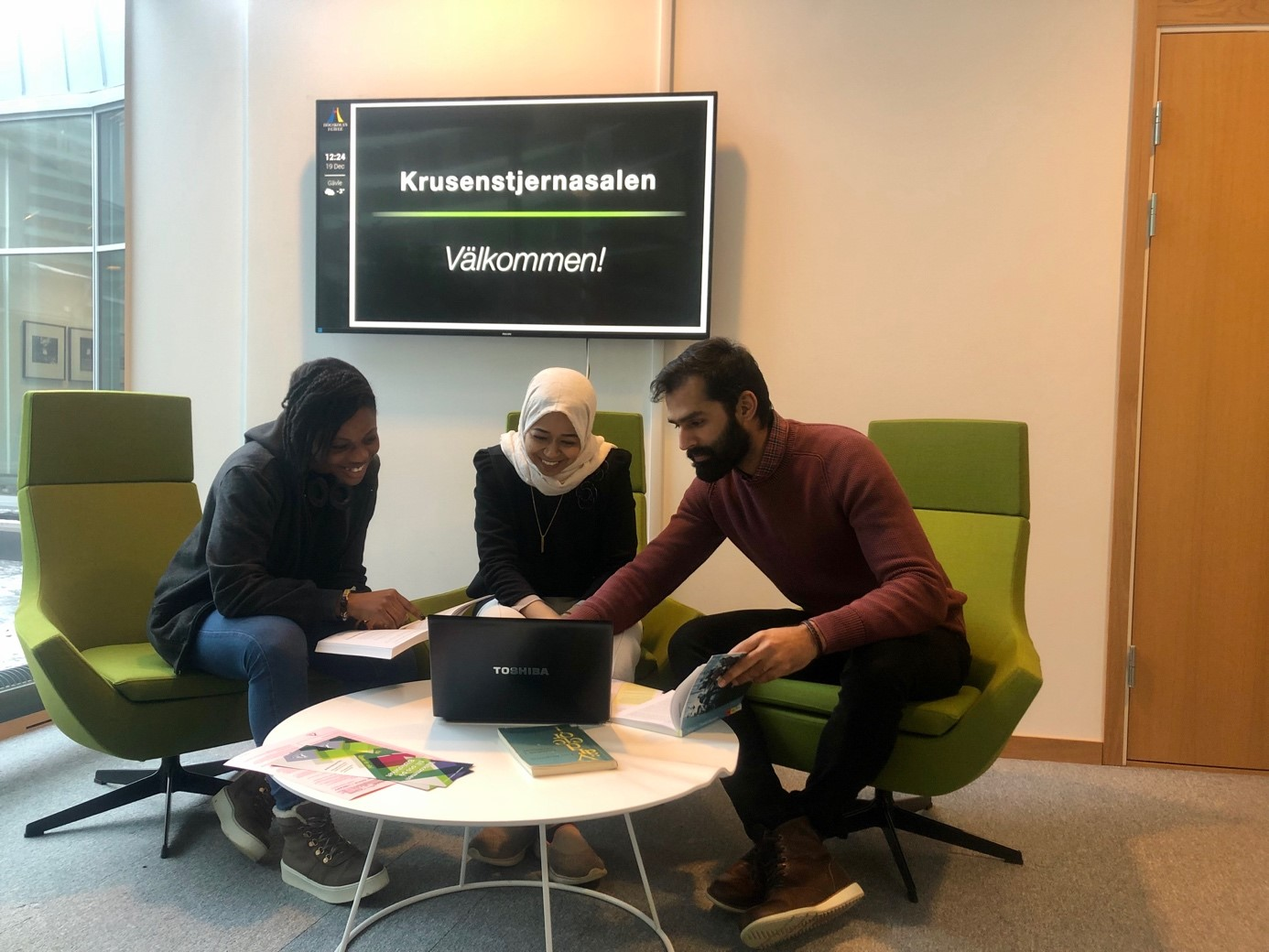 Internationella studenter i Krusenstjernasalen